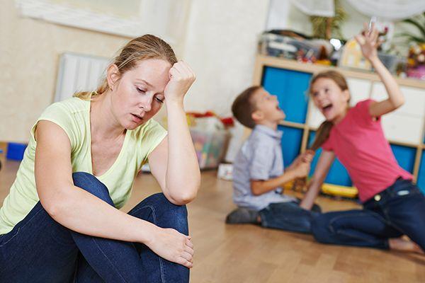 Ελεύθερη μετάφραση από το KidsGo. Είτε το παιδί σας ανταποκρίνεται στις οδηγίες σας λέγοντας, «Σε ένα λεπτό!» είτε αγνοεί τις εντολές σας εντελώς, η αντιμετώπιση ενός παιδιού που δεν ακολουθεί οδηγ...
