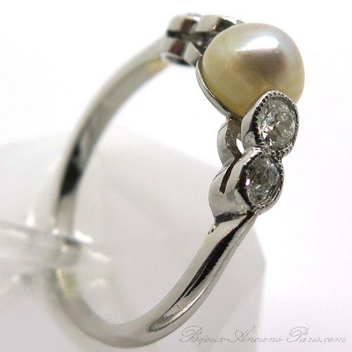Antiquaire diamantaire rachat d'or et de bijoux Paris - Bague ancienne perle fine diamants platine 1