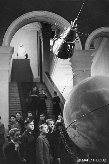 Marc Riboud //  Russia  -  Moscow 1960.