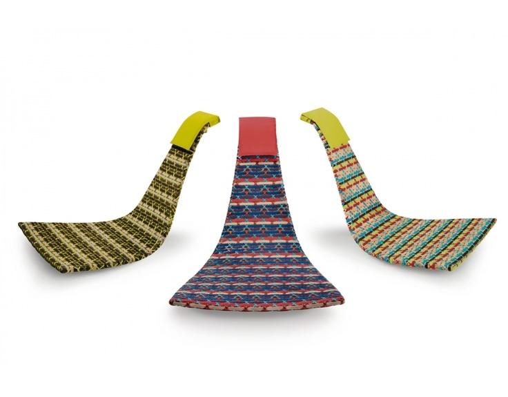 Fedro is een geweldige schommelstoel in een organische vorm. Het design is van Lorenza Bozzoli en Fedro belooft nu al een nieuwe designklassieker te worden. Speciaal is de bijzondere techniek van vlechtwerk in deze stoel die als basis een aluminium frame heeft. Fedro is verkrijgbaar in meerdere kleurcombinaties, kan het hele jaar buiten blijven en is voorzien van een comfortabel hoofdkussen.