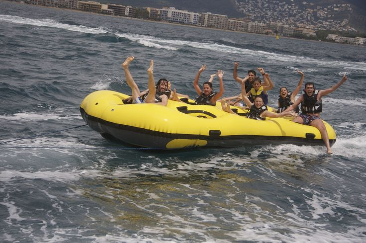 Come and enjoy the experience with your friends and family! deportes acuaticos Costa Brava - Barcelona