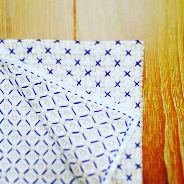 銭刺し完成! 初めて二色使ってみた。 #刺し子 #花ふきん#一目刺し #銭刺し#stitch #sashiko#handwork #embroidery #