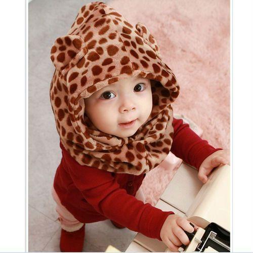 En el comercio usted encuentra muchos modelos de gorros para bebe, en diferentes materiales y con mucha creatividad elaborados. Vemos alguno...
