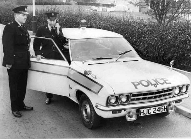 https://flic.kr/p/Crh6Au | Classic British police cars,  Vauxhall Ventora, 3.3 litre | date unknown.