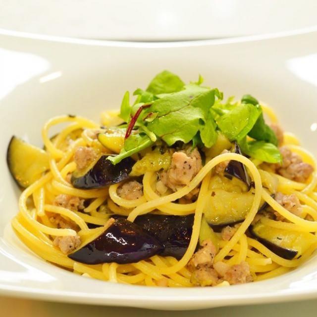 サルシッチャは生ソーセージ。それをほぐしてパスタに使います。 - 57件のもぐもぐ - サルシッチャと茄子のスパゲティ by Mocciano