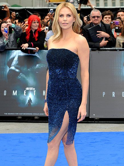Charlize Theron: Charlize Theron, Sapphire Blue, Red Carpets, Beautiful Dresses, Gorgeous Dresses, Blue Ombré, The Dresses, Hair, Sapphire Necklaces