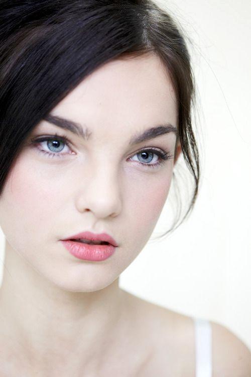 blue eyes dark