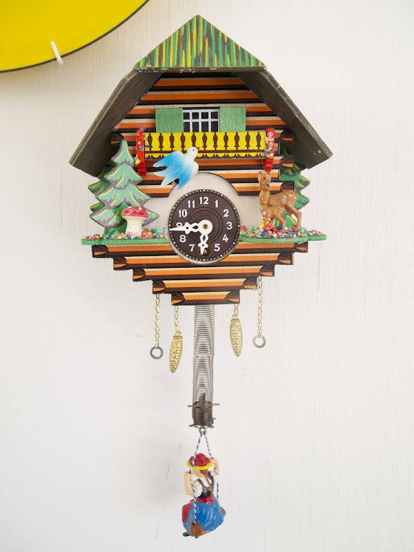 want a coo coo clock!!!!!!!!!!!