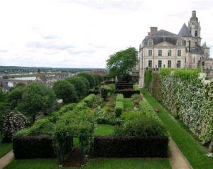 Cap sur Blois et sa Roseraie !
