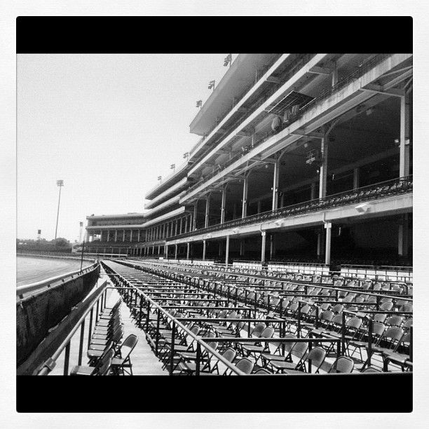 Empty Stands at the Kentucky Derby @eatthelove