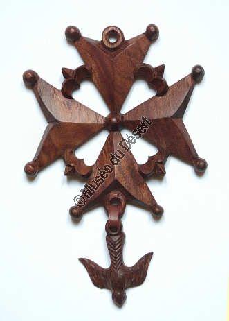 Beautiful Wooden Huguenot Cross