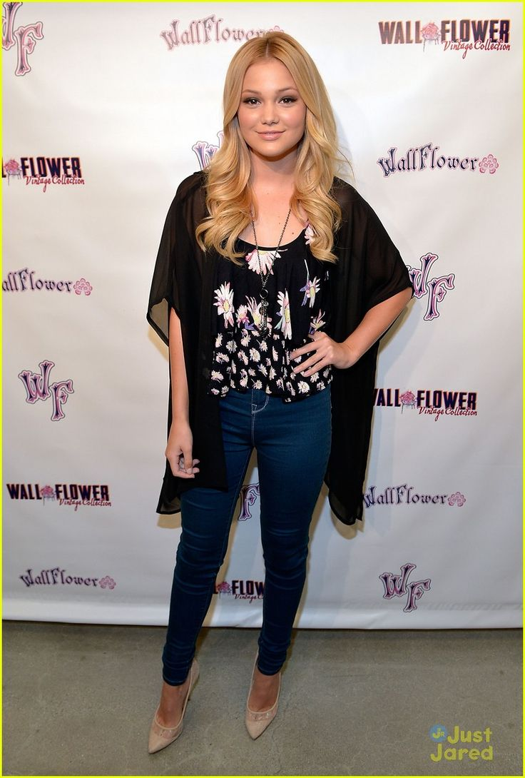 olivia holt signs hollywood records debut album 04