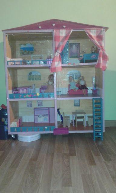 Handmade by Sheila angolo creativo: Barbie mette su casa!!!
