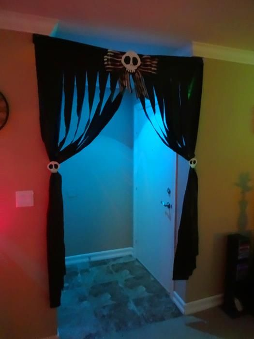 Best 25 halloween party decor ideas on pinterest for How to make homemade halloween decorations