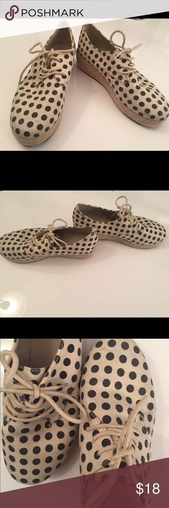 URBAN OUTFITTE POLKA DOT PLATFORM ESPADRILLES SZ 7 Great platform espadrilles. Looks great with dresses and jeans!! Urban Outfitters Shoes Espadrilles