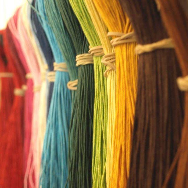 NOUVEAU! - Arrivage de jolis cordons aux couleurs vitaminées!  #lecomptoiraperles #perles #cordons #threads #DIY #loisirscreatifs #bijoux #jewels #handmade #handmadejewelry #couleurs #colors #yellow #blue #jaune #bleu #rouge #red #vert #green #bracelets #inspiration #instajewels #creation #creativity