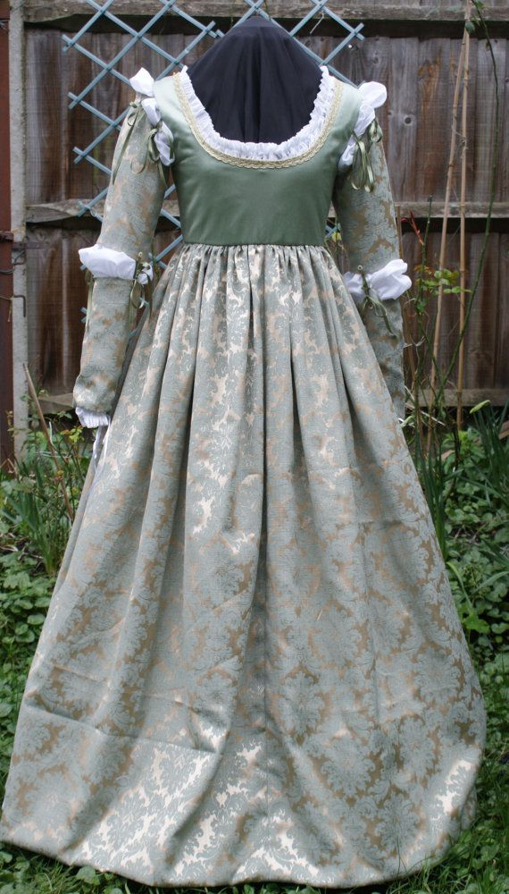 Italian Renaissance Juliet Dress by CorsetsandCostumes on Etsy, £280.00...This pretty dress has been made in the Italian Renaissance style of the late 15th/early 16th century.