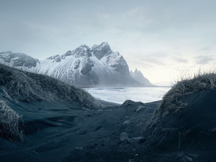 Winter in Iceland by Loïc Le Quéré.
