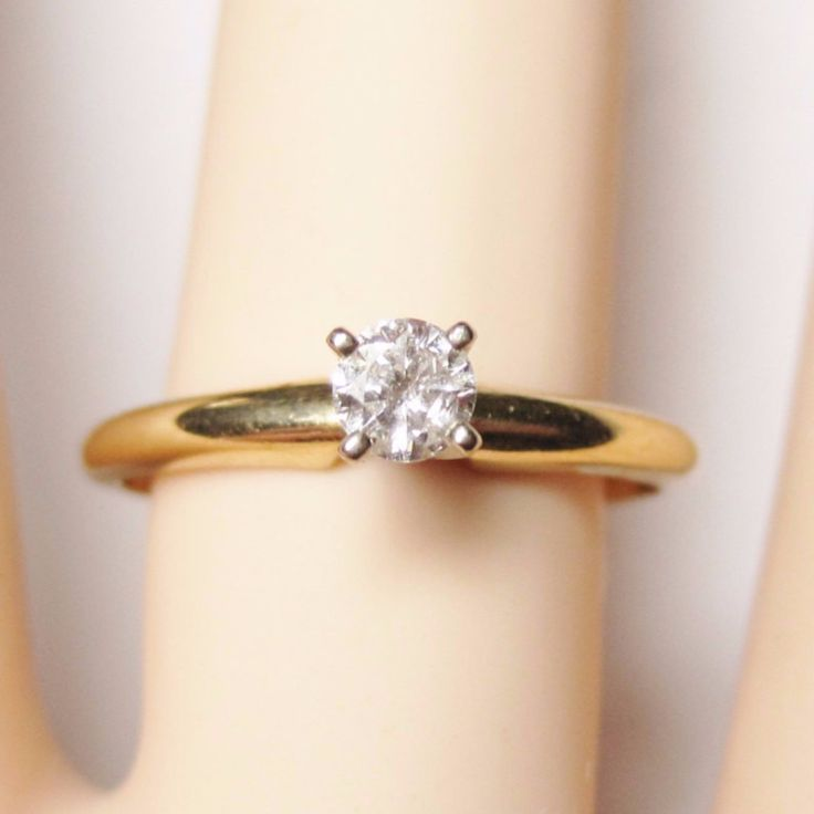 14K Yellow Gold .19 Carat Classic Diamond Solitaire Engagement Ring Size 7