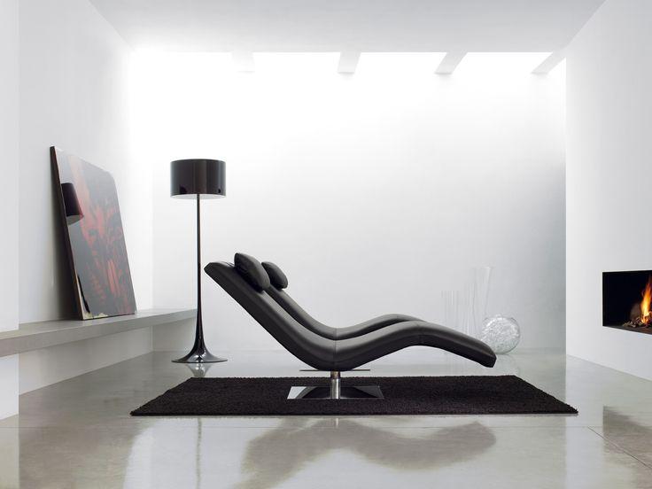 Elegancki , nowoczesny szezlong wykonany z wysoka dbałością o detale.Podstawa w chromie, siedzisko  z miękkiej pianki ,pokryte tkaniną  lub skórą.