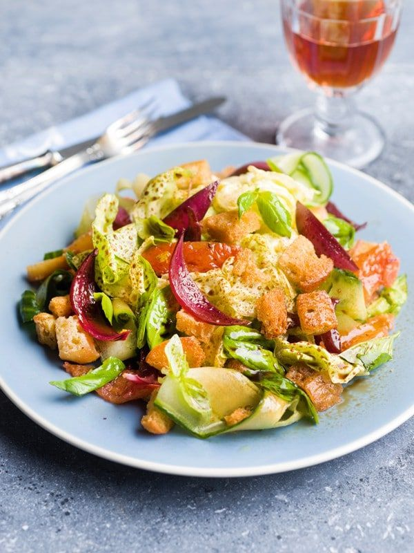 Italiaanse salade met ciabatta