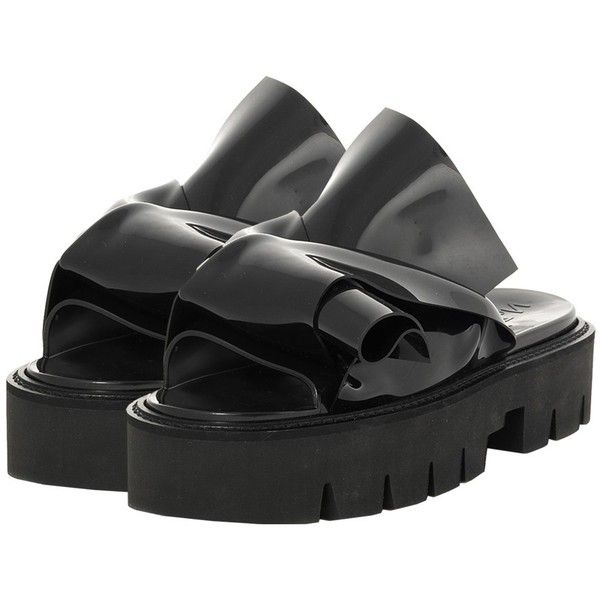 N 21 N°21 Loves Kartell Black Knot Slide Sandal (€195) ❤ liked on Polyvore featuring shoes, sandals, bow sandals, polish shoes, rubber sole shoes, bow shoes and platform sandals