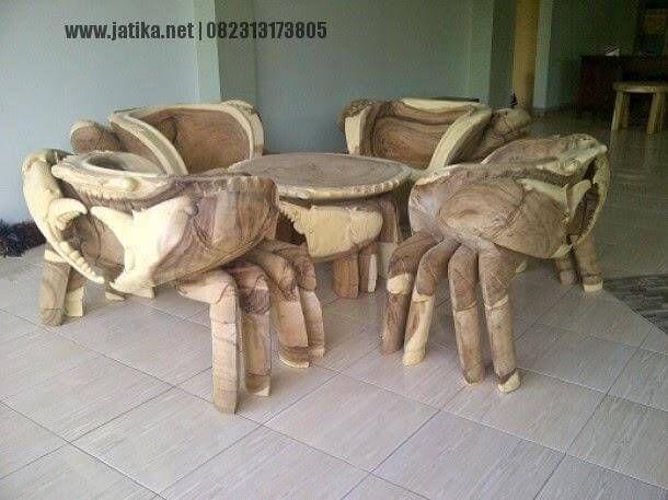 Kursi Tamu Ukir Rajungan merupakan salah satu kursi dari mebel Online Furniture kami yang dibuat dan diproduksi khusus dan tidak pasaran