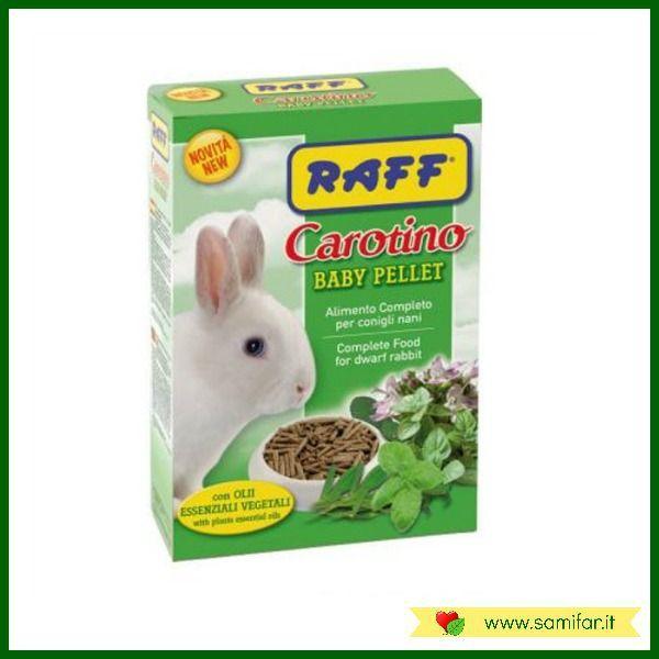 Raff Carotino Baby Pellet contiene tutti i nutrienti di cui il tuo coniglio nano ha bisogno ed è arricchito con oli essenziali vegetali dalle note proprietà antisettiche e antiparassitarie. Il formato in pellet è comodo e permette un facile dosaggio. Formato: confezione da 800 g