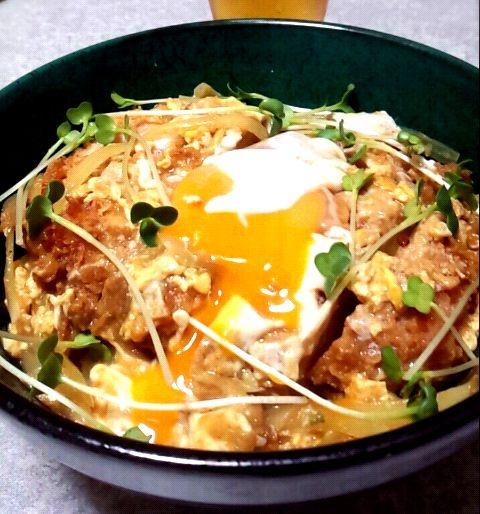 ヒガシマルの『カレーうどんスープの素』を使いました。 - 86件のもぐもぐ - かつ丼 カレー風味 by tomohira