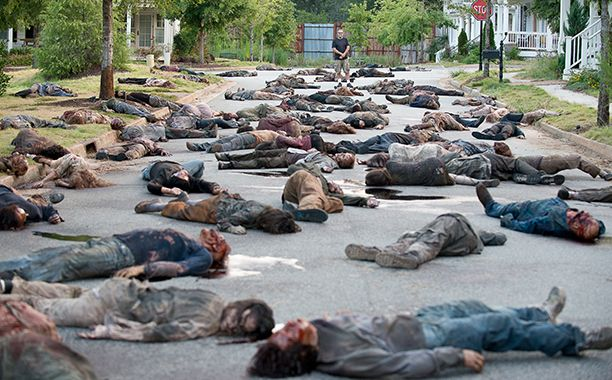 The Walking Dead premiere director Greg Nicotero on the 'murder catwalk' | EW.com