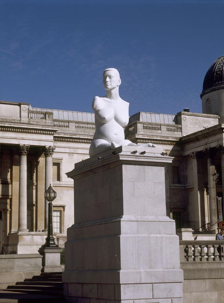 "Marc Quinn ""Alison Lapper Pregnant"" (2005) Escultura/Monumento público en mármol. Medidas: 355 x 180.5 x 260 cm"
