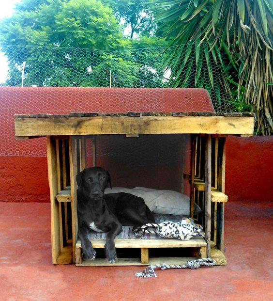 Casas de perros recicladas buscar con google sofi - Casa de perro con palets ...