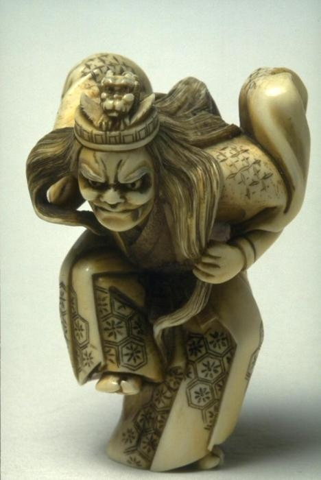Netsuke: Noh Actor in the Role of a Dragon Diety. Hoitsu, Meiji era | The Museum of Asian Arts
