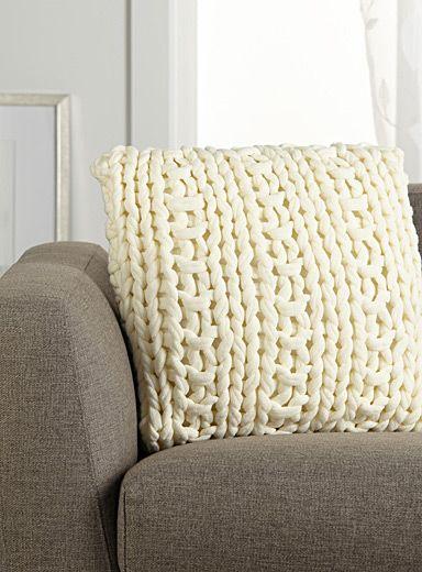 Chunky knit cushion 45 x 45cm | Simons