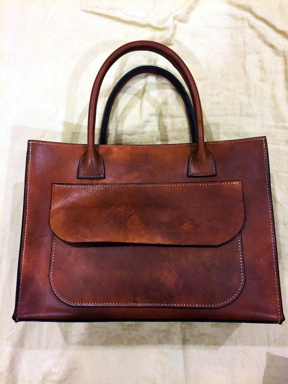 Handmade hand-stitched women leather bag/ purse This is a beautiful women leather bag/ purse that made completely by hand using quality vegtan
