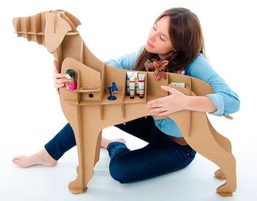 Perros de cartón de raza labrador