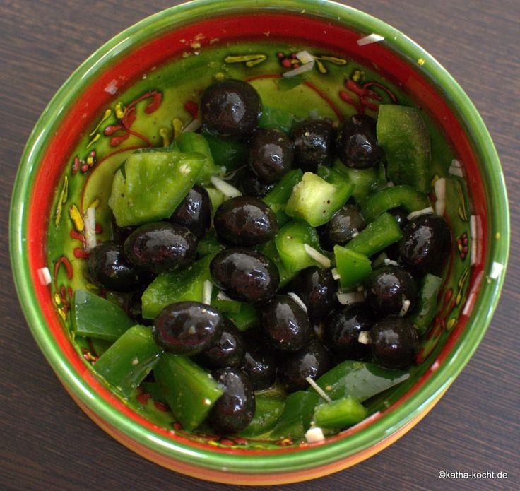 Tapas – marinierte Oliven mit Paprika - Katha-kocht!