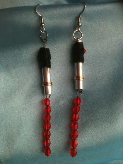Star Wars Lightsaber Earrings - so geektastic!!