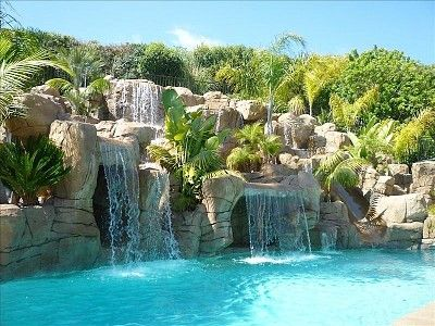 This With An Quot Underground Quot Pool House Behind The Waterfall
