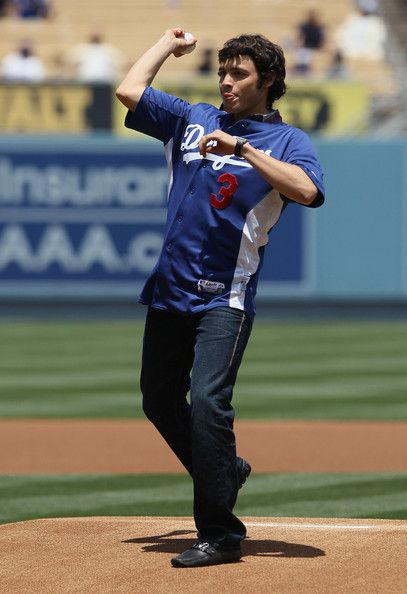 Julio Cesar Chavez Jr. Photos Photos - Boxer Julio Cesar Chavez Jr. of Mexico throws out the first pitch prior to the start of the game between the Los Angeles Dodgers and the Florida Marlins at Dodger Stadium on May 29, 2011 in Los Angeles, California. The Dodgers defeated the Marlins 8-0. - Florida Marlins v Los Angeles Dodgers