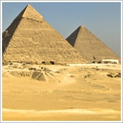 A trip to Egypt with Natalie would be the perfect gift to her ever!!! I should really start saving my pennies she graduates in two years!