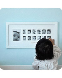 I love this! One photo for each month up to baby's first birthday!