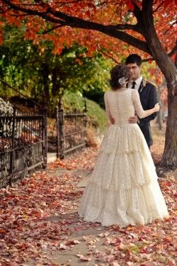 vintage dress: Fall Pics, Wedding Vintage, Vintage Dresses, Vintage Lace, Vintage Wedding Dresses, Pics Ideas, September Wedding, Handmade Dresses, Lace Dresses