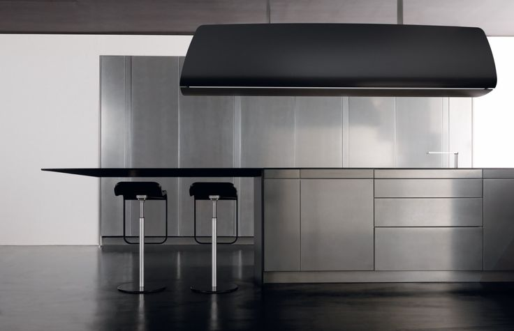 CARBON FIBRE KITCHEN WITH PENINSULA INVISIBILE INVISIBILE COLLECTION BY TONCELLI CUCINE | DESIGN STUDIO CARLESI DESIGN