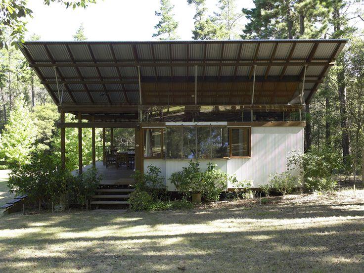 Peter Stutchbury - Kangaroo Valley pavilion