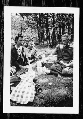 Jacqueline Bredon-Lamba, Diego Rivera y Leon Trotsky picnic in 1938