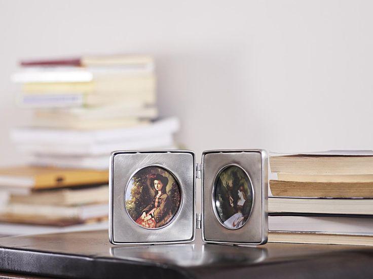 Pewter Folding Photo Frame - Width: 22 cm (8,7″) - Height: 11 cm (4,3″) - #pewter #folding #picture #photo #frame #peltro #cornice #fotografia #portafoto #libro #zinn #bilderrahmen #fotorahmen #rahmen #klappbilderrahmen #klapp #étain #etain #cadre #peltre #tinn #олово #оловянный #gifts #giftware #home #housewares #homewares #decor #design #bottega #peltro #GT #italian #handmade #made #italy #artisans #craftsmanship #craftsman #primitive #vintage #antique