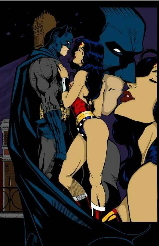Barman / Wonder Women kiss