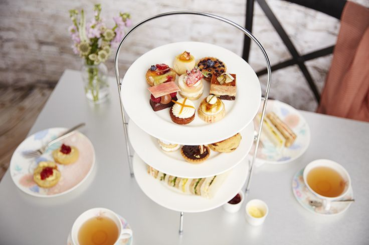 #Afternoontea and a glass of bubbly in #CoventGarden #thingstodoinlondon #celebration #teaparty