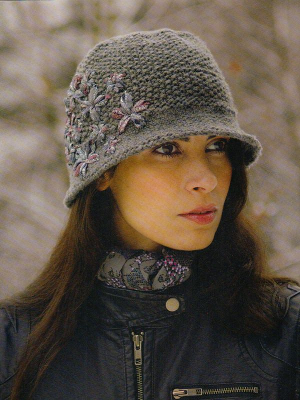 pattern 'Amber' - Solid version from Louise Hardings knitting pattern book 'Knitting in the Details